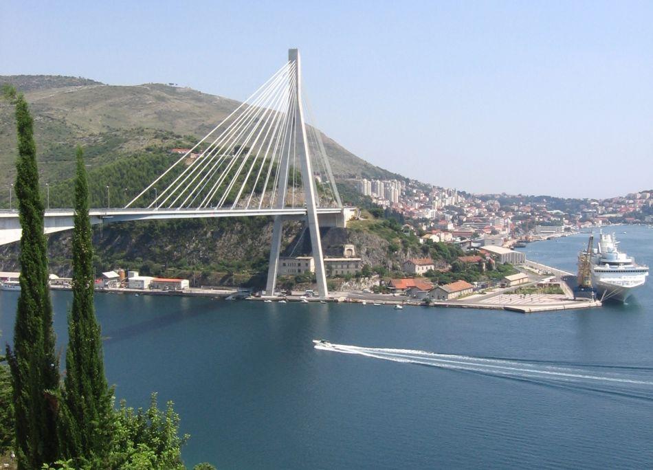Dubrovnik Cruiseliner