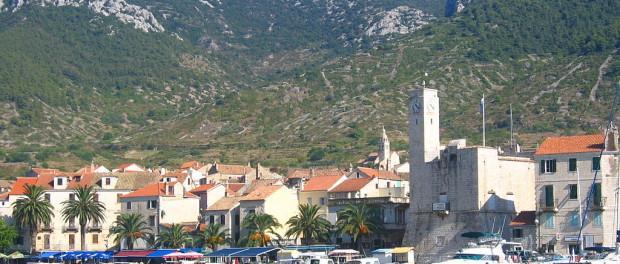 town of Komiza,_Island_of_Vis,_Croatia